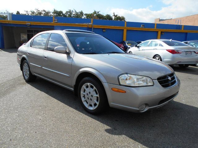 2000 Nissan Maxima GLE Limited warranty included to assure your worry-free purchase AutoCheck rep