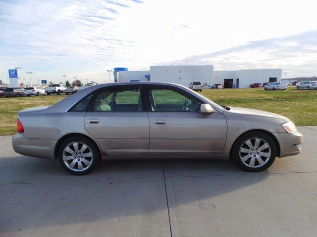 2000 Toyota Avalon XLS Cape Girardeau, Missouri 1