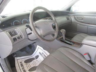2000 Toyota Avalon XLS Gardena, California 4
