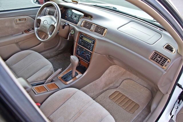 2000 Toyota CAMRY LE AUTOMATIC CRUISE CONTROL SERVICE RECORDS AVAILABLE Woodland Hills, CA 24