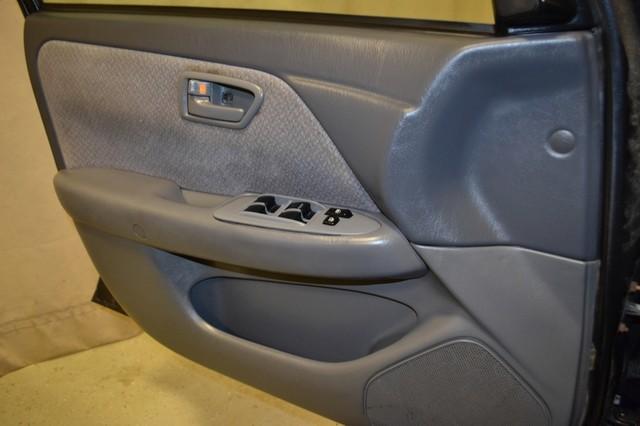 2000 Toyota Camry LE Roscoe, Illinois 23