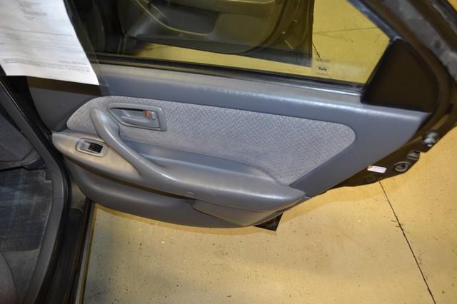 2000 Toyota Camry LE Roscoe, Illinois 22