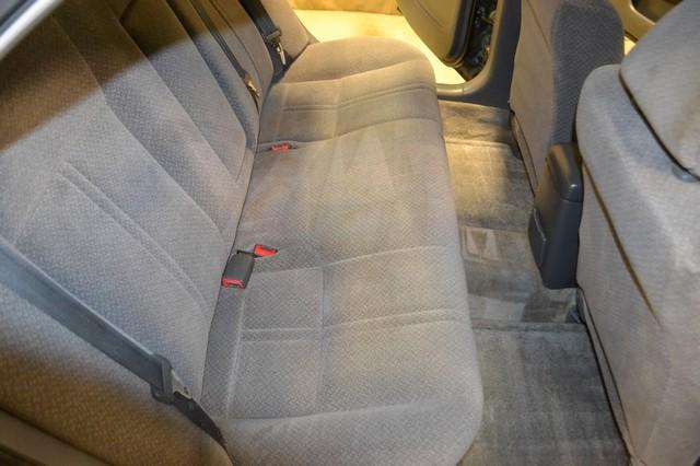 2000 Toyota Camry LE Roscoe, Illinois 19