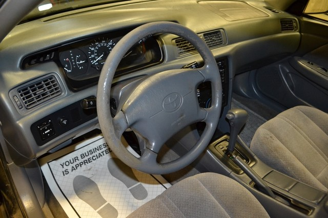 2000 Toyota Camry LE Roscoe, Illinois 13