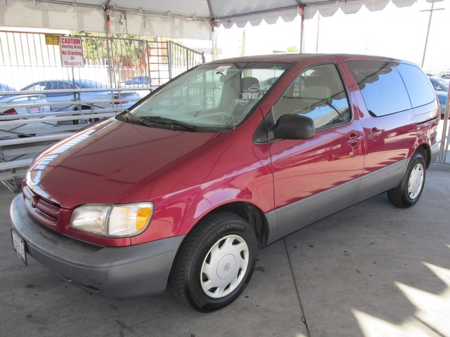 2000 Toyota Sienna CE Please call or e-mail to check availability All of our vehicles are availa