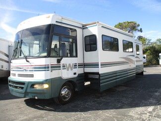 2000 Winnebago Chieftain WFL35U in Hudson, Florida