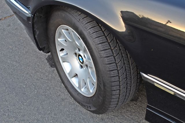 2001 BMW 740i SEDAN AUTOMATIC ONLY 71K ORIGINAL MLS NAVIGAION XENON NEW TIRES Woodland Hills, CA 12