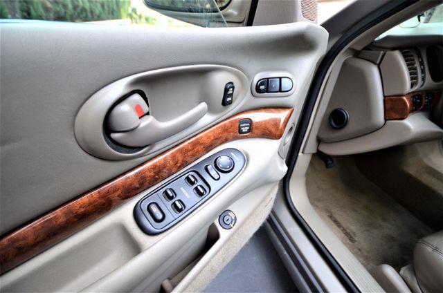 2001 Buick LeSabre Limited Reseda, CA 29