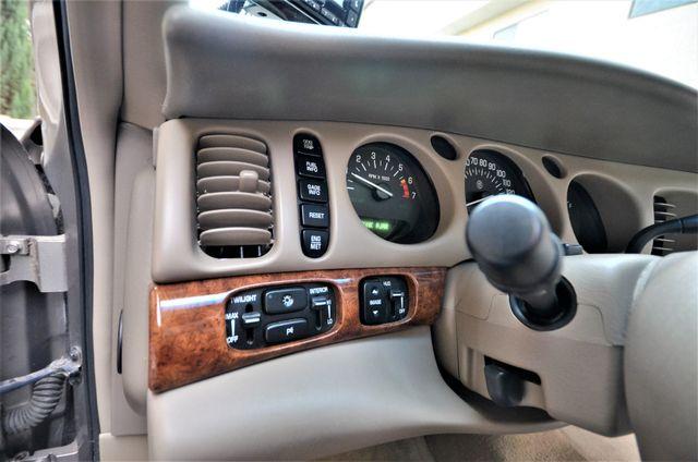 2001 Buick LeSabre Limited Reseda, CA 30