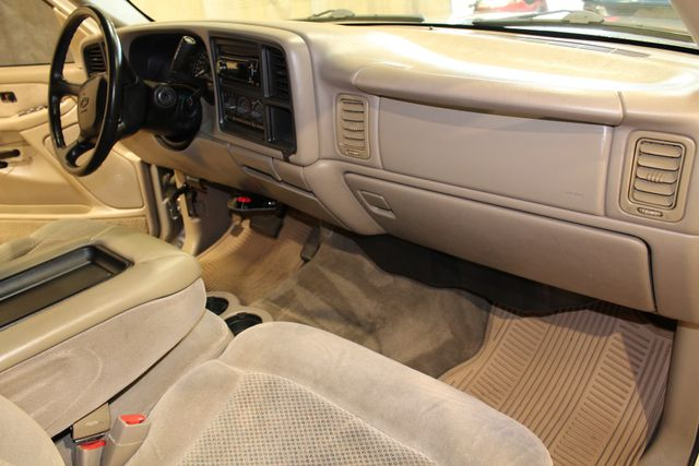 2001 Chevrolet Silverado 1500HD LS Roscoe, Illinois 17