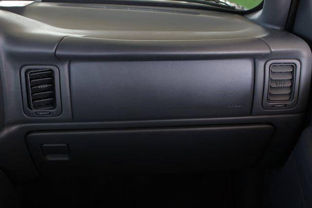 2001 Chevrolet Silverado 3500 LS Crew Cab Long Bed - 4x4 - LEATHER BUCKETS Mooresville , NC 7