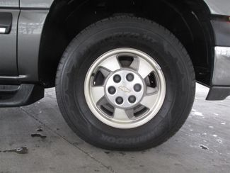 2001 Chevrolet Suburban LS Gardena, California 13