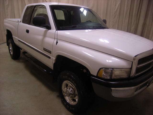 2001 Dodge Ram 2500 Roscoe, Illinois 2
