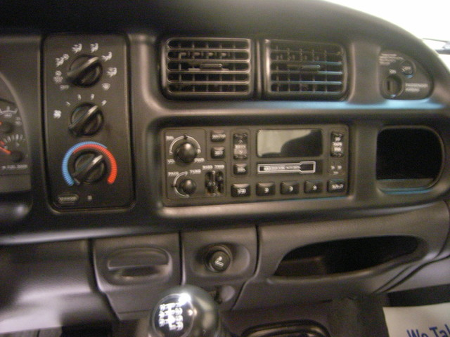 2001 Dodge Ram 2500 Roscoe, Illinois 17