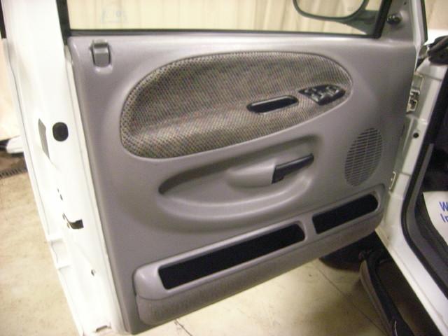 2001 Dodge Ram 2500 Roscoe, Illinois 27