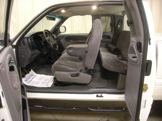 2001 Dodge Ram 2500 Roscoe, Illinois 22