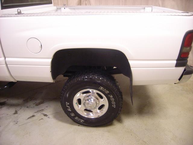 2001 Dodge Ram 2500 Roscoe, Illinois 3