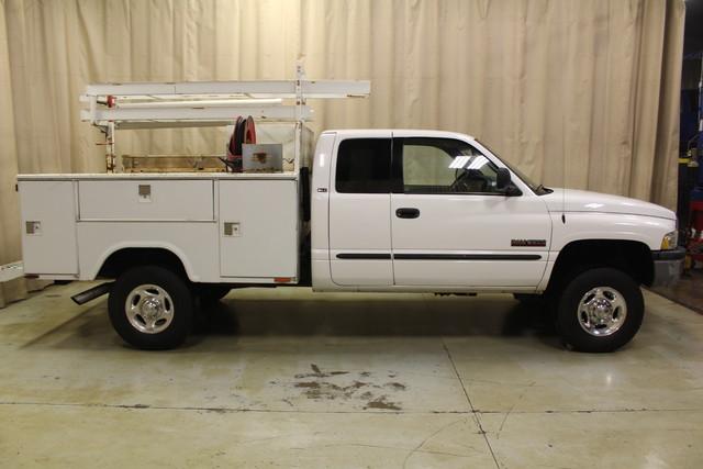 2001 Dodge Ram 2500 Utility truck Roscoe, Illinois 1