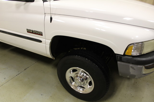 2001 Dodge Ram 2500 Utility truck Roscoe, Illinois 5