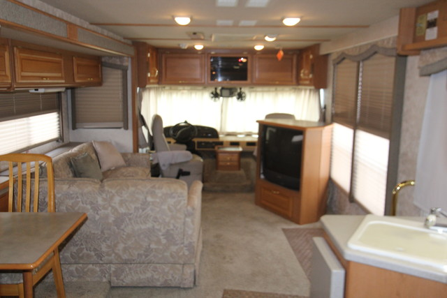2001 Fleetwood Bounder San Antonio, Texas 4
