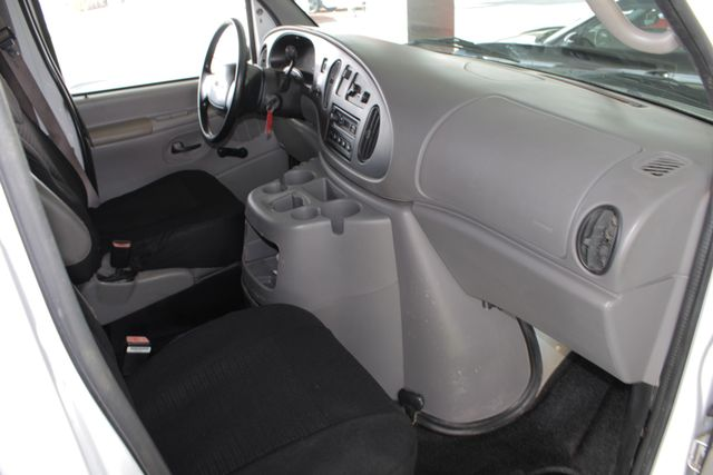 2001 Ford Econoline Cargo Van E350 RWD - RACKS & BINS - NEW TIRES! Mooresville , NC 32