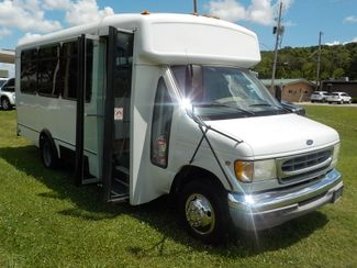 2001 Ford Econoline Commercial Cutaway 15 PASSENGER Fayetteville , Arkansas 3