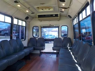 2001 Ford Econoline Commercial Cutaway 15 PASSENGER Fayetteville , Arkansas 9