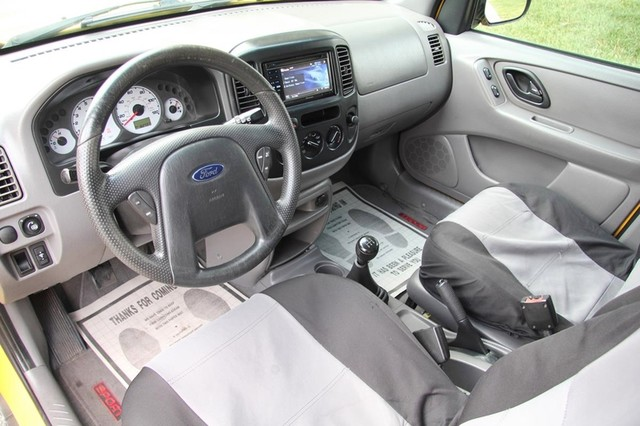2001 Ford Escape XLS Santa Clarita, CA 8