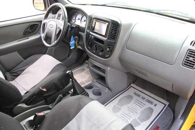 2001 Ford Escape XLS Santa Clarita, CA 9