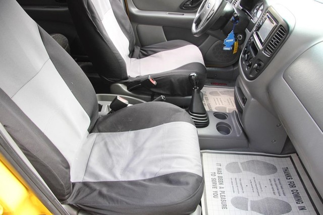 2001 Ford Escape XLS Santa Clarita, CA 14