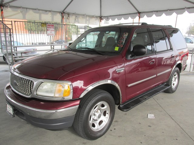 2001 Ford Expedition XLT Please call or e-mail to check availability All of our vehicles are ava