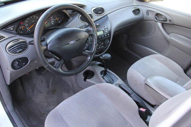 2001 Ford Focus SE Santa Clarita, CA 8