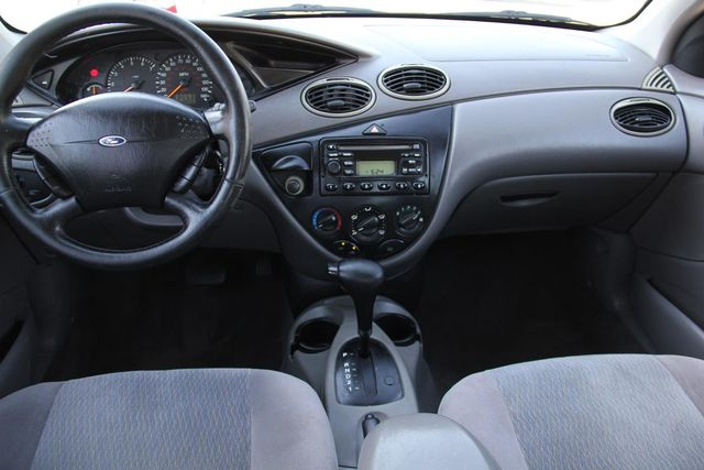 2001 Ford Focus SE Santa Clarita, CA 7