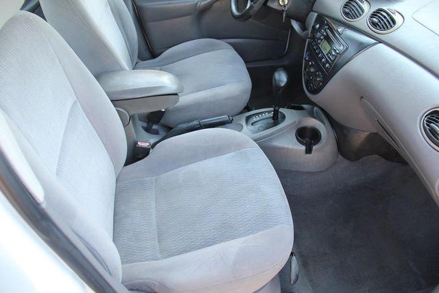 2001 Ford Focus SE Santa Clarita, CA 14