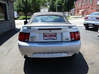 2001 Ford Mustang GT Deluxe Milwaukee, Wisconsin 10
