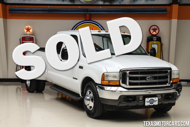 2001 Ford Super Duty F-350 Lariat This Clean Carfax 2001 Ford Super Duty F-350 DRW Lariat is in gre