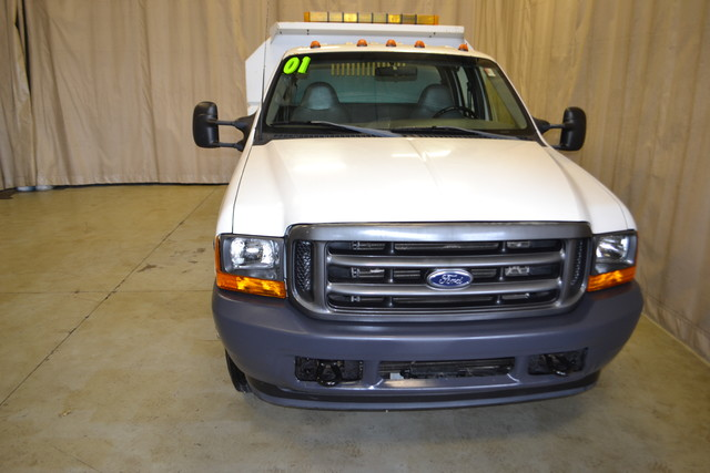 2001 Ford Super Duty F-350 DRW XL Roscoe, Illinois 3