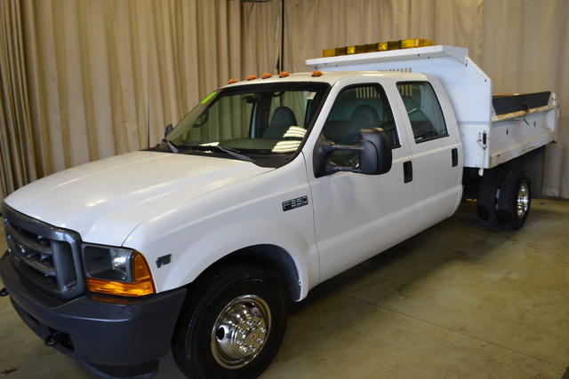 2001 Ford Super Duty F-350 DRW XL Roscoe, Illinois 2