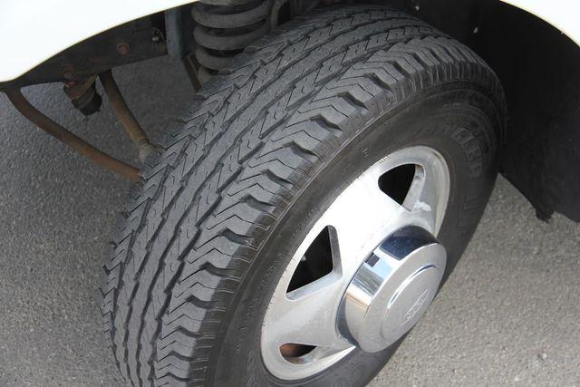 2001 Ford Super Duty F-350 DRW XLT Santa Clarita, CA 23