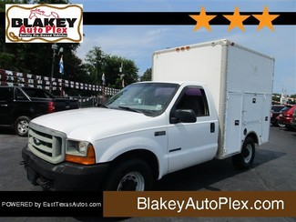 2001 Ford Super Duty F-350 SRW XL-[ 2 ]