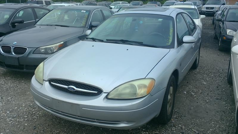 2001 Ford Taurus SES in Harwood, MD