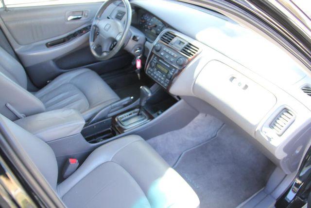 2001 Honda Accord EX w/Leather Santa Clarita, CA 9