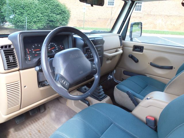 2001 Jeep Wrangler Sahara Leesburg, Virginia 12