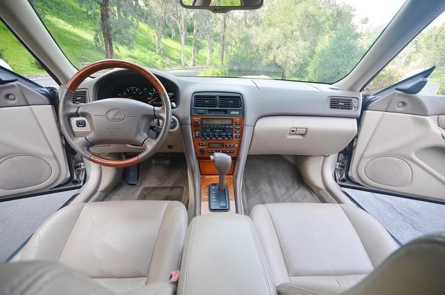 2001 Lexus ES 300 Burbank, CA 6