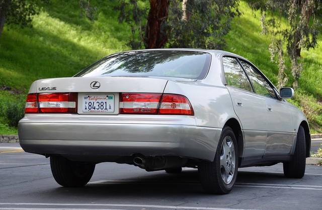 2001 Lexus ES 300 Burbank, CA 13