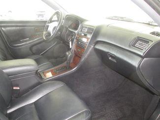 2001 Lexus ES 300 Gardena, California 8