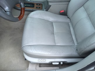 2001 Lexus ES 300 Knoxville , Tennessee 3