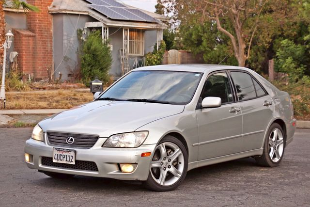 2001 Lexus IS 300 SPORT AUTOMATIC XENON ALLOY WHLS SERVICE RECORDS 1-OWNER Woodland Hills, CA 1