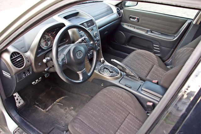 2001 Lexus IS 300 SPORT AUTOMATIC XENON ALLOY WHLS SERVICE RECORDS 1-OWNER Woodland Hills, CA 11