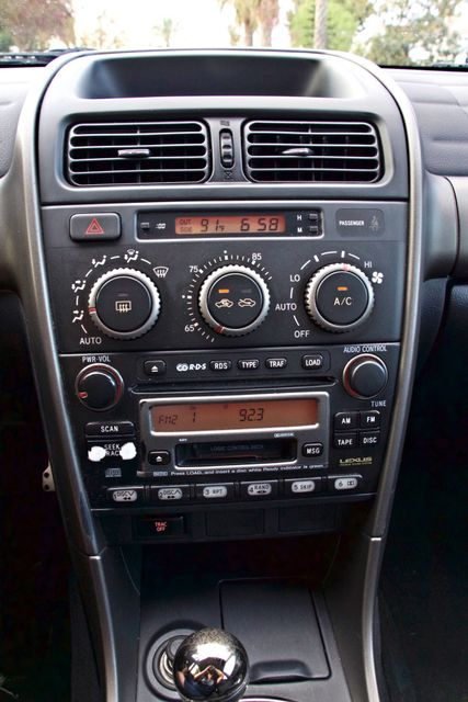 2001 Lexus IS 300 SPORT AUTOMATIC XENON ALLOY WHLS SERVICE RECORDS 1-OWNER Woodland Hills, CA 14